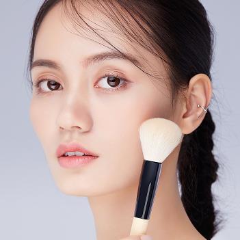 化妆品拍摄模特-上海专业平面模特公司