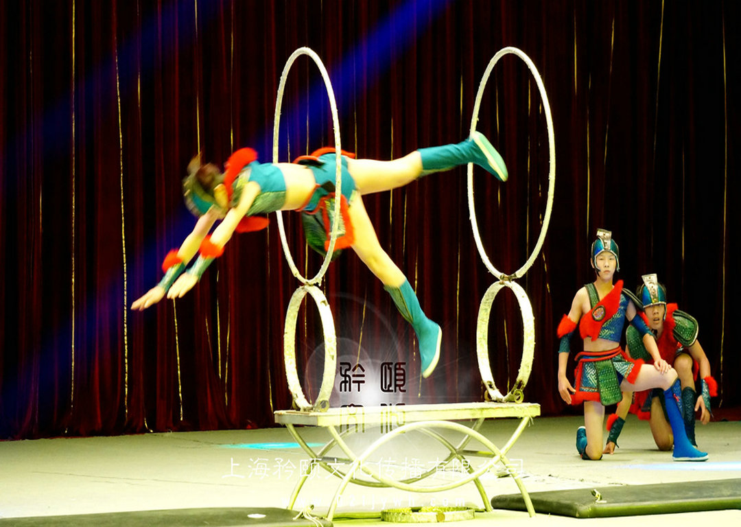 上海钻圈表演