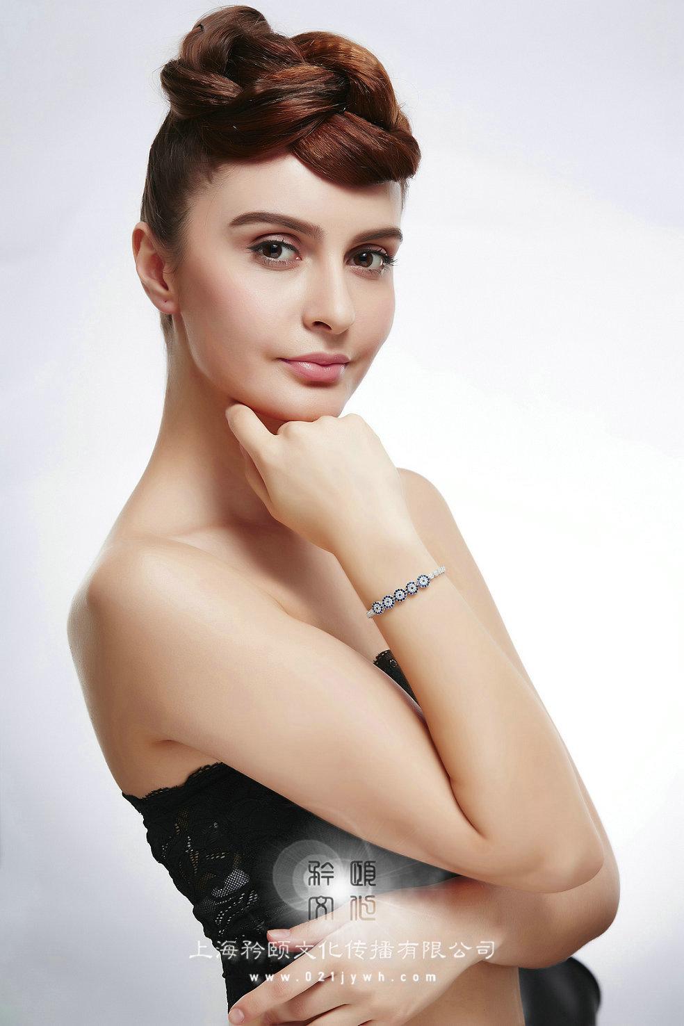 外国珠宝拍摄模特