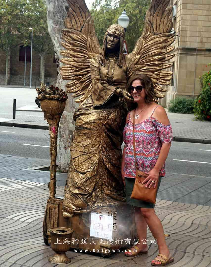 外籍人体雕塑